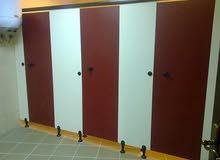 شركة توريد قواطيع وفواصل حمامات كومباكت hpl