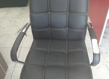 كرسي مكتب مستخدم بحاله الجديد