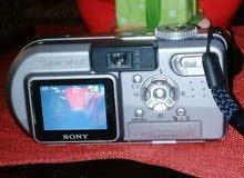 (3كاميرات مستعملة بحالة جيدة شبه جديدة ) كاميرا فوتوCanon D 300 / فيديو كاميرا S