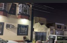 بنايه وبيت لبيع الجنينه حي الاندلس خلف سوق الجبيله المساحه (475) متر