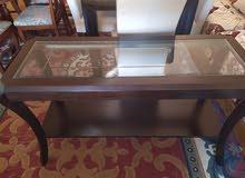 قاعة الاكل خشب ممتاز وجلد في الكراسي
