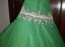 فستان زفاف مستعمل مرا واحده فقط للبيع