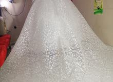 فستان زفاف بلاتيني