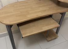 طاولة للحاسوب المنزلي جهازه التركيب استخدام بسيط عمليه جدا