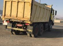 للبيع شاحنة مان قلاب 18متر سكس وَيْل موديل 2002 نظيف او لبدل ع لاندكلوزر أوامري