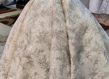 لدينا اجمل وارقى فساتين زفاف و خطوبة و سواريه باسعار مناسبه سعر خاص للجمله