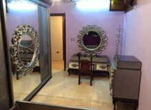 شقة لقطة للبيع بشارع الهرم تصلح كسكن او مكتب بسعر وهمي