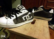 2 original DC shoes sizes 42 and 43. buy 1 for 400 2 for 500