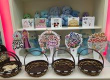 محل ورود وهدايا وحلويات في العذيبة للبيع