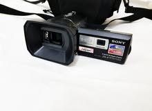 SONY Handy cam . 20Mp . Cam full hd videos.  Video Projecter.  Very good conditi