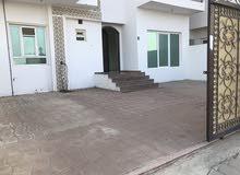 شقة ارضية للايجار في الخوض ( للعوائل فقط )