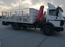 شاحنة للنقل و الايجار بالإضافة إلى المرفاع