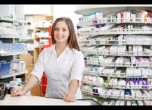 وظيفة شاغرة للصيدلانية او طبيبة فى صيدلية العائلة