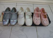 أحذية أطفال شبه جديدة