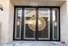 عماره سكنيه الحمدانيه(الحناكي)جديده تشطيب سوبر ديلوكس مساحة 675م