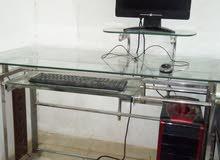 كمبيوتر مكتبي + طربيزة كمبيوتر زجاجية للبيع