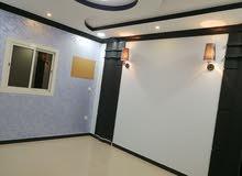 شقه 5 غرف ومدخلين للبيع بحي التيسير