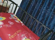 سرير طفل من عمر شهر الى خمس سنوات نظيفه جدا نهايتها سعرها 40