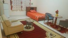 غرفة فاخرة ذات إطلالة كاملة على بحيرة خالد