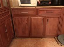 مطبخ كامل بني اللون للبيع