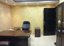مكتب سوبر ديلوكس للايجار في شارع الجاردنز يصلح لكافة الأعمال التجارية