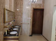 شقة دور كامل جديد للإيجار بمدخلين الحوية مطبخ مكيفات أنوار راكبه