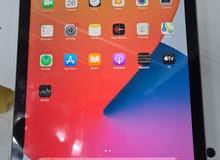 Apple Ipad 6 - (128 GB) - Excellent Condition