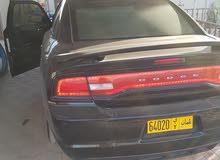 للبيع سيارة تشارجر موديل 2012 لون أسود ملكي رقم 2