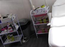 للبيع صالون نسائي في مدينة الذيد- إمارة الشارقة - مساحة جيدة-