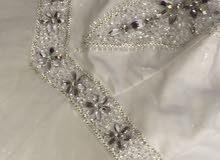 فستان زفاف للبيع ب 800 درهم فقط