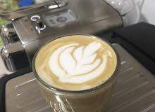 للبيع مكينة  قهوة  من Nespresso والثانيه Saachi مجانا