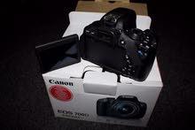 كاميرا كانون 700D بسعر لقطة كالجديدة