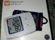 جهاز قياس ضغط وقياس نبضات القلب وقياس الدم