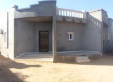 منزل للبيع بمنطقة بئربن حسن بالقرب من مركز شرطة بئربن حسن الزاوية