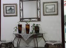 طقم كونسول مع مراية و طاولة وسط و عدد 2 طاولة معدني لون نحاسي معتق
