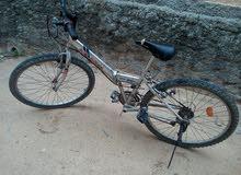 السلام عليكم دراجة ممتازة قابلة للطوي بسم الله مشاء الله ما تعاني من اي شي