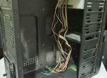 كيس كمبيوتر فاضي معا الDVD متاعه و خيوطه