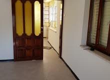 طابق مستقل غرفتين ومطبخ وحمام بلكون وبرنده