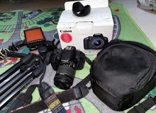 canon 700D for sale with equipments still with orginal box
