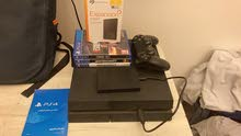 ps4 1.5 tb with 4 games and 1 controller /1tb external hhd