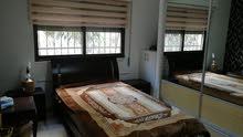 1180- شقة ارضية 4 نوم  215م للبيع في خلدا  خلف برادايس مع حديقة 220م