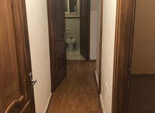 شقة فارغة للايجار الجاردنز  300دينار