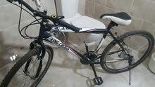 دراجه هوائية بحالة ممتازة استعمال شهرين تصلح لسن 14 فما فوق للبيع
