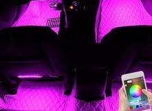 إضاءة ليد داخلية لجميع المقاعد عن طريق الجوال التحكم