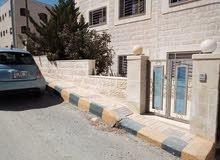 شقة للبيع في البنيات مع ترس قرب مدارس الحصاد-120م2
