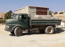 قلاب مرسيدس 4 متر للبيع او البدل على سياره