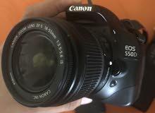 للبيع كاميرا كانون D550 مع عدسه 18-200
