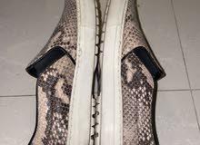 حذاء راقي استعمال يومي مقاس 38