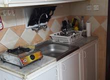 للأيجار الشهري استديو مفروش غرفة وصالة وحمام ومطبخ