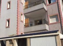 عماره للبيع بالقرب من ميناء و كورنيش رادس